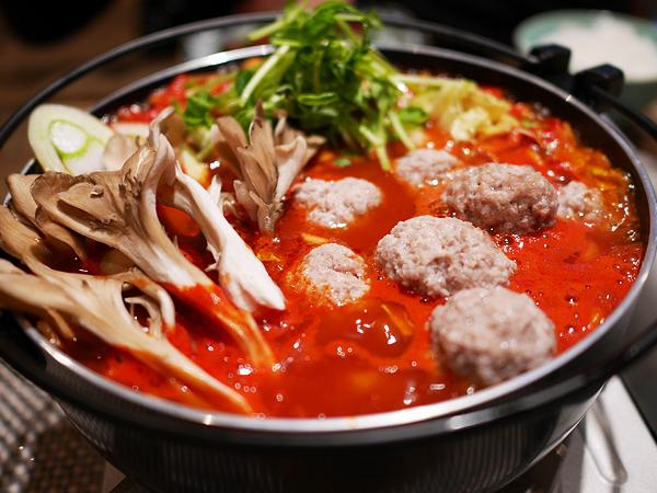 マイタケたっぷりトマト鍋