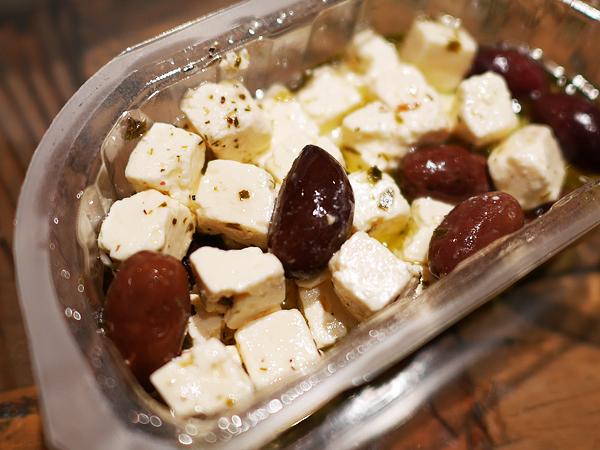 フェタチーズのオイル漬け