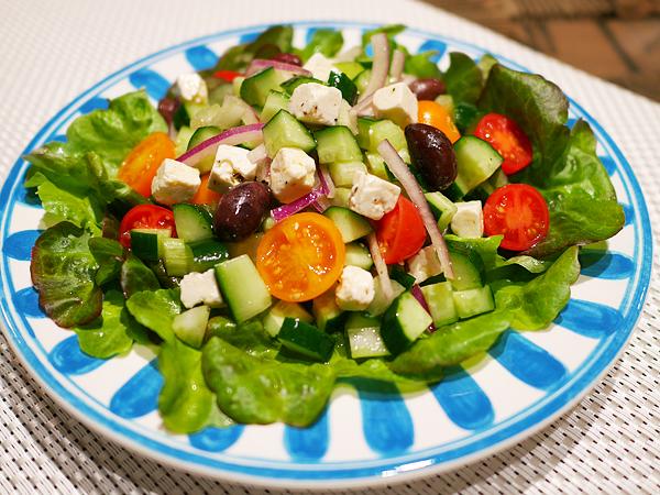 ギリシャ風サラダ 盛りつけ