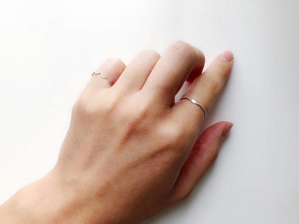 指輪が似合うスラッとした指になりたい…