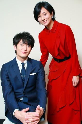 左から、岡田将生さんと木村文乃さん