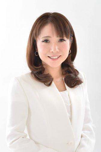 コモエース化粧品PR 新家さん