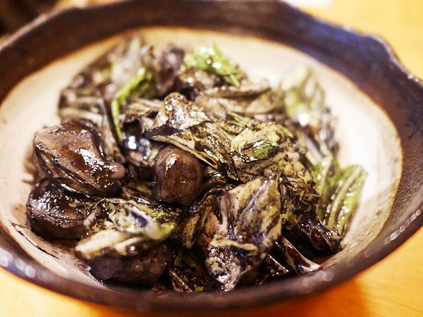イカゲソとキャベツのバター炒め(スミいり)