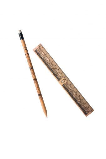 鉛筆とミニ定規