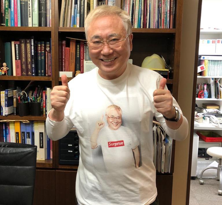「PUNKDRUNKERS 」とのコラボTシャツ、2018新作を着たかっちゃん