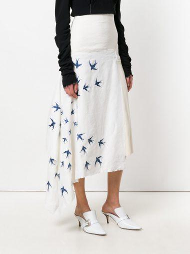 変形ヘムスカート