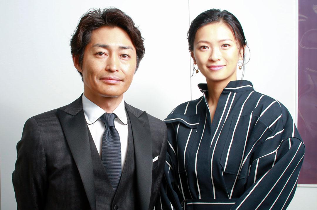 安田顕さんと榮倉奈々さん