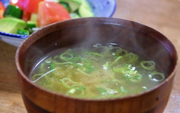 バストアップ 味噌汁