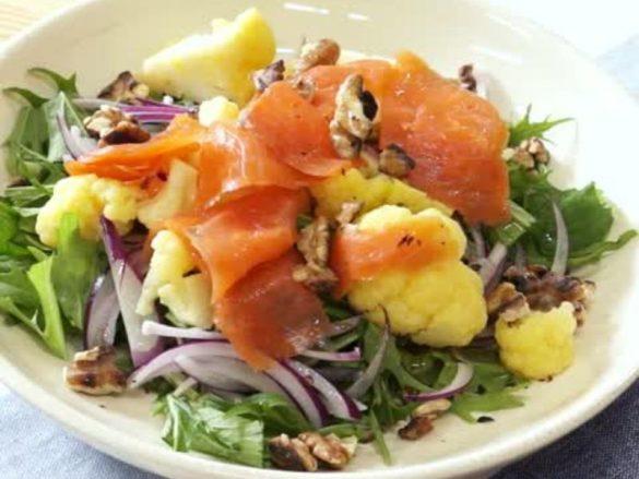 サーモンとカリフラワーのサラダ