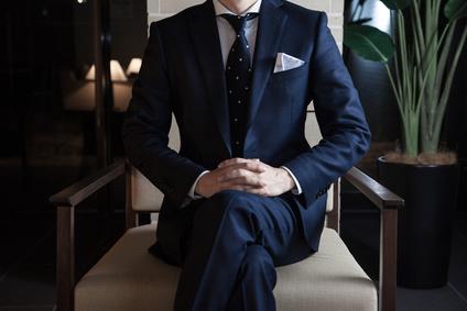 ハイスペエリート男性、スーツ