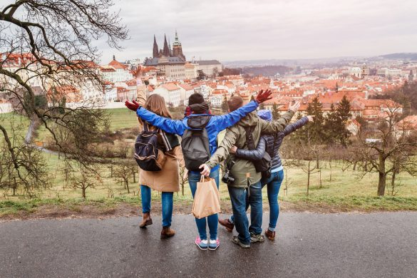 4人の女性グループ旅行