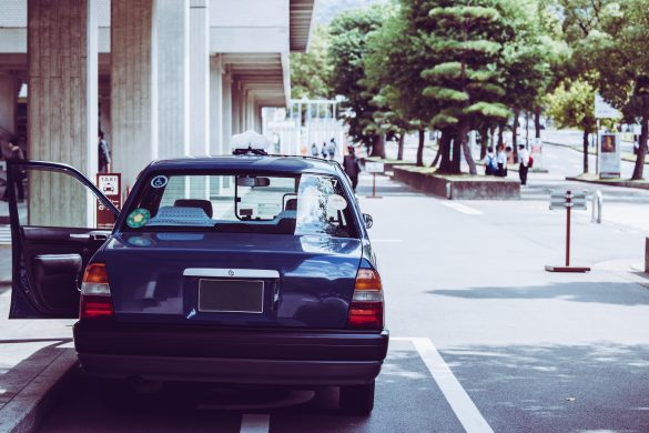同級生とタクシーでホテルへ