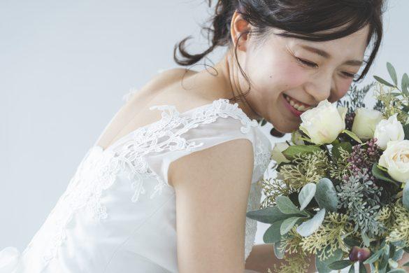 結婚して幸せそうな女性