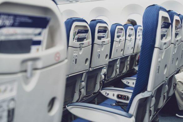 飛行機 エコノミー座席 旅