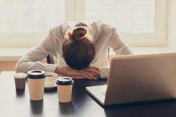 女性は仕事のプレッシャーで太りやすい