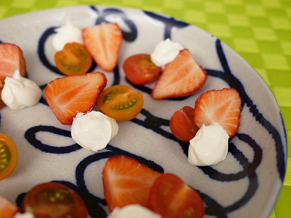 前菜(イチゴとミニトマトとマスカルポーネチーズ)