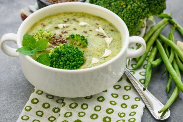 ブロッコリーの豆乳スープ