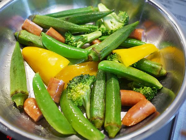 エチュベ 野菜+ソーセージ