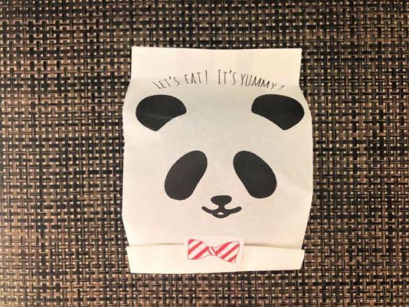 100均の映え花見グッズ「パンダ柄おにぎり袋(5枚入り)」