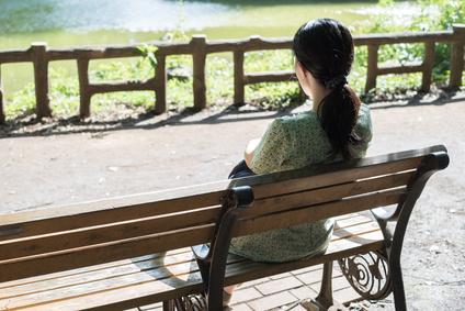 公園 独身女性