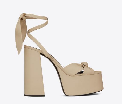 サンローラン Paige Sandals In Smooth Leather $892(画像:オンラインストアより)
