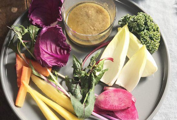 旬の野菜や好みの野菜をディップ!