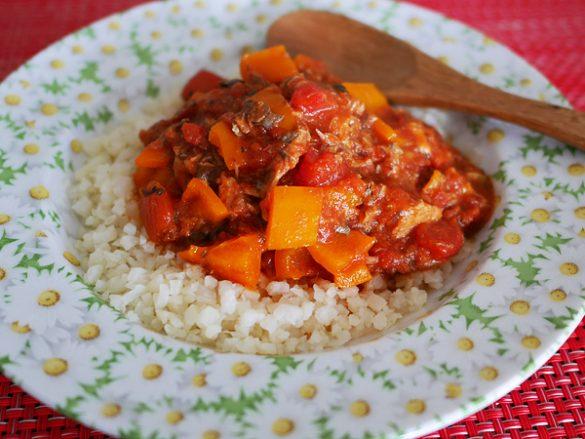 サバ味噌トマトのジンジャークスクス
