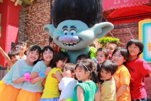 USJ「トロールズ~HAPPY HUG!~with つばきファクトリー」ハグタイム