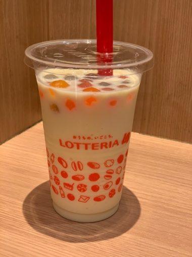 ロッテリア「タピオカシェーキ(バニラ風味)」(320円税込)
