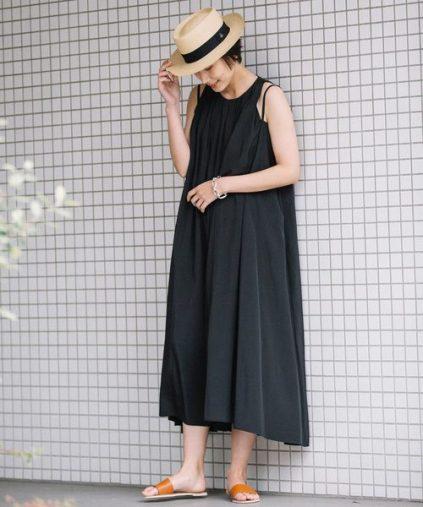 サマーブラックドレス