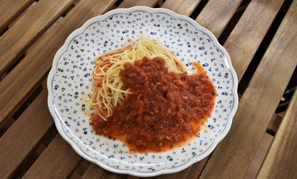 ローカーボスパゲッティ+カリフォルニアギフト パスタソース(トマト&ガーリック)