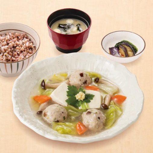「豆腐と肉だんごのトロトロ煮定食(556kcal)」