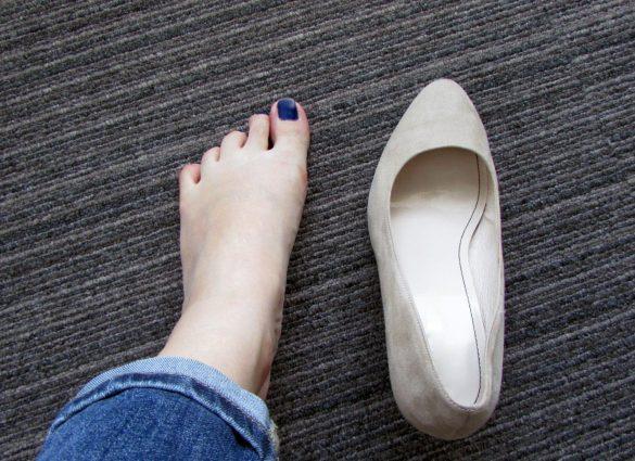 足と並べてみる 靴