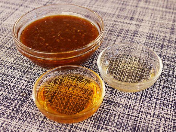 酢とゴマ油