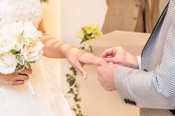 結婚式 指輪 カップル 夫婦