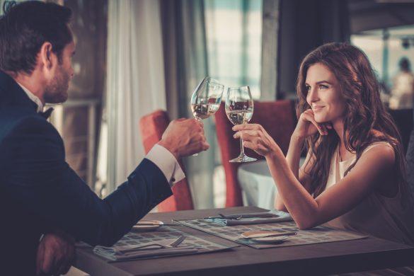 高級レストラン ディナー デート 男女