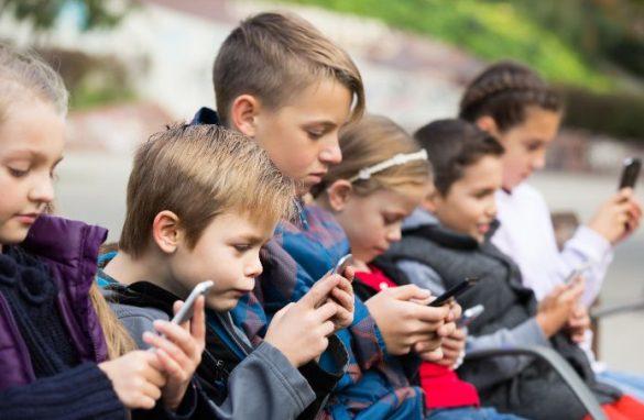 スマホ子供たち携帯子ども