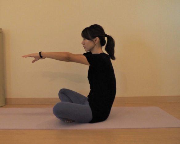 スマホをいじる姿勢を改善1