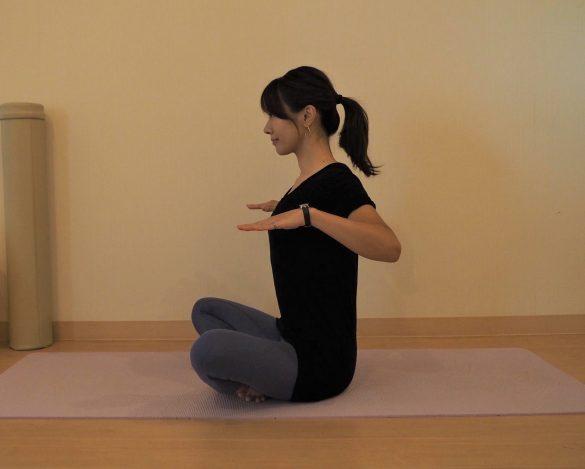 スマホをいじる姿勢を改善2