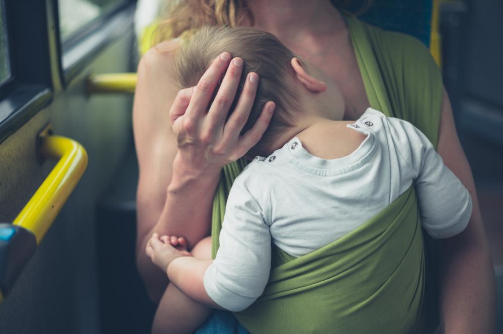 赤ちゃんとお母さん バス 電車