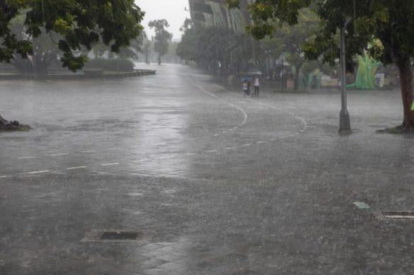 台風、大雨