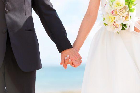 お葬式での再開がきっかけで結婚