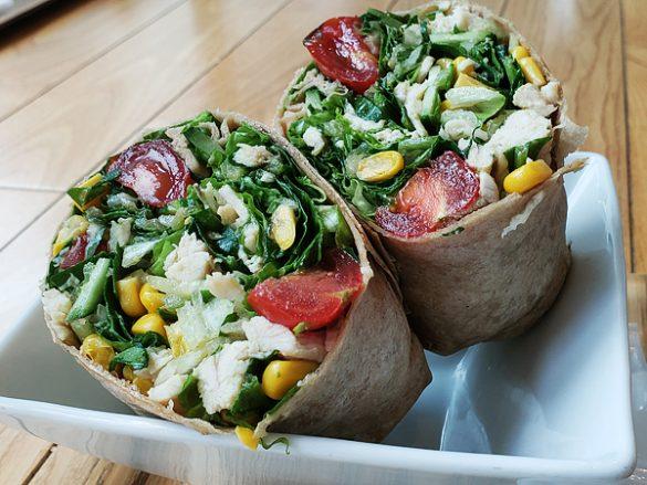 シンガポールのサラダ専門店「SaladStop!(サラダストップ)」に学ぶ お腹いっぱい食べても太らないサラダ術