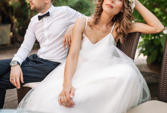 結婚式で喧嘩している新郎新婦