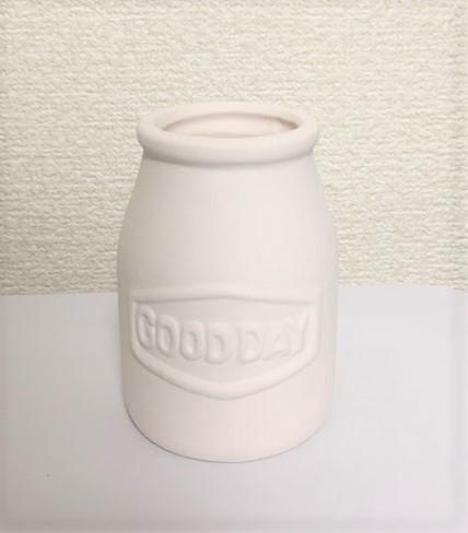 素焼き加湿ポット ミルク瓶型 100円+税/seria