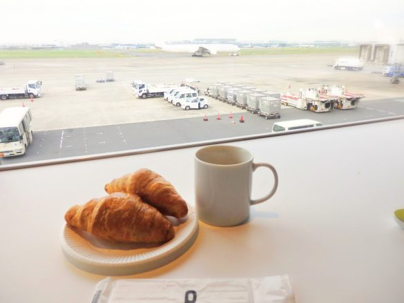 空港ラウンジ 朝食 ミライノカード