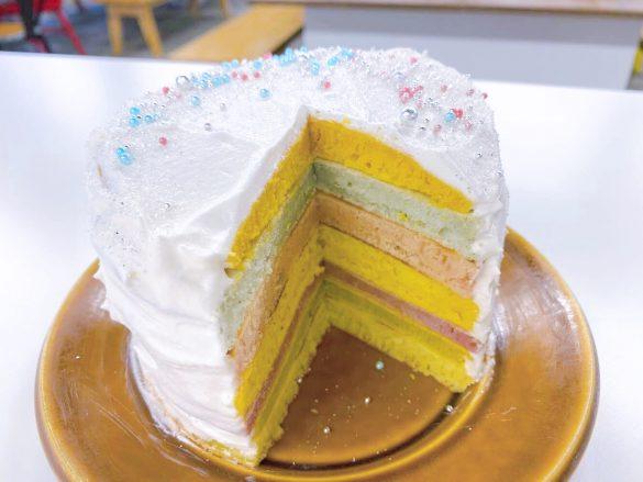 アラザンふってパンケーキ完成
