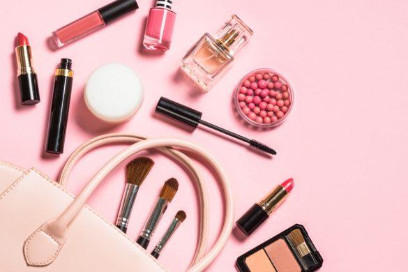 桜コスメ ピンク色 化粧品