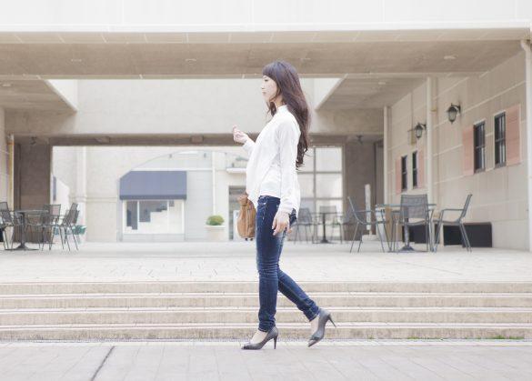 歩き姿勢を整えるヒップインナートレーニング