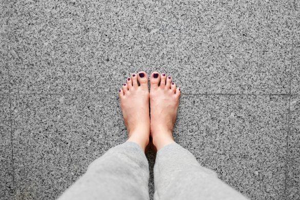 美人に見せる方法・両足重心で立つ